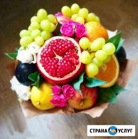Букеты из конфет и фруктов Свободный