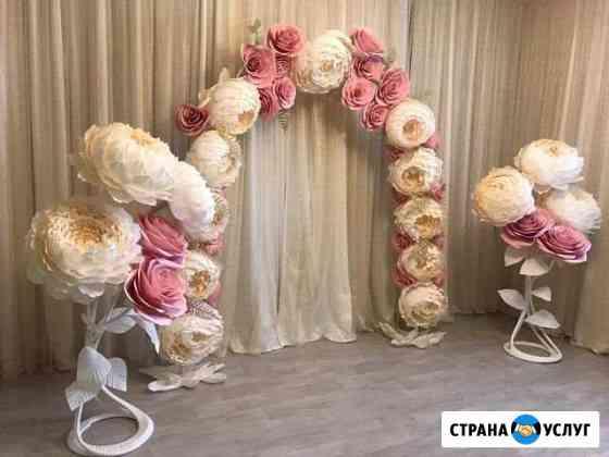 Свадебная арка и ростовые цветы Орёл