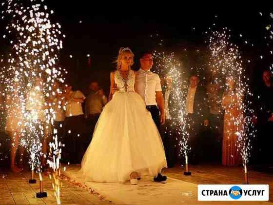 Огненно-пиротехническое шоу, световое шоу, Салюты Омсукчан