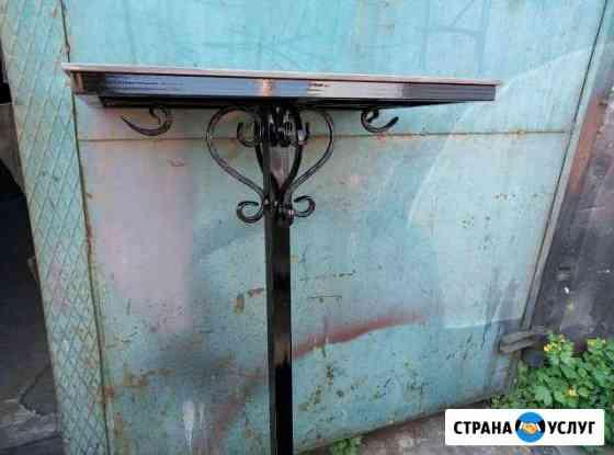 Стол и скамейка на кладбище Йошкар-Ола